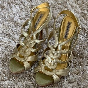 CHARLES DAVID Gold Sandals Size 6M